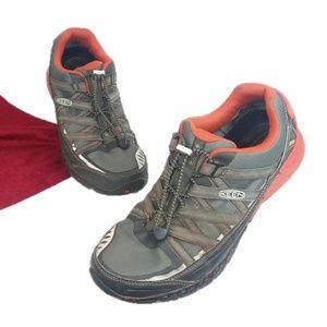Keen Versatrail Waterproof Hiking Sneakers